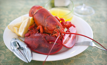 GetMaineLobster.com – Online Deal Delivered Live Maine-Lobster Dinner with Mussels and Jumbo Crab Cakes for Four or Six (Up to 57% Off)