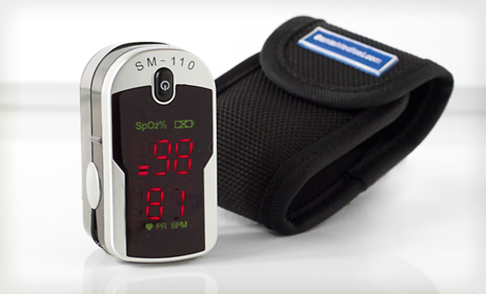 Finger Pulse Oximeter w/Carrying Case & Cord