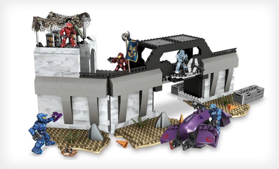 Mega Bloks Halo Versus: Assault on High Ground Toy Building Set $19