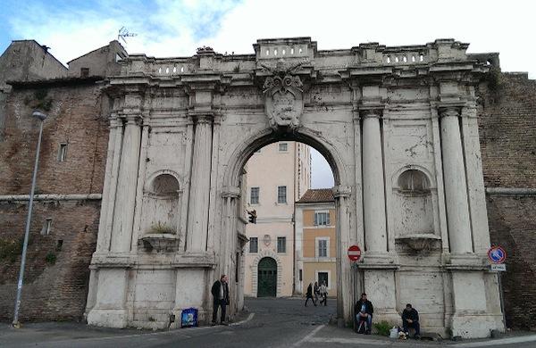 Porta portese il mercato di roma che piace ai turisti - Porta portese regali ...