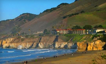 Edgewater Inn and Suites: One-Night Stay (SundayThursday) in a Double-Queen or Single-King Room with a Northern Coastal View, Plus a Two-Hour Kayak or Stand-up Paddleboard Rental for Four - Edgewater Inn and Suites in Avila Beach
