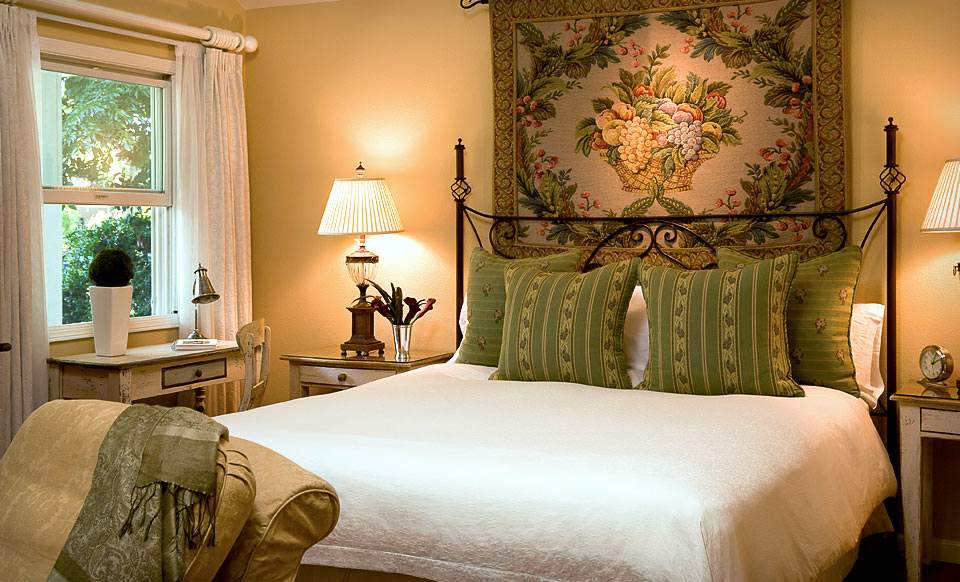 cottage grove inn calistoga ca groupon. Black Bedroom Furniture Sets. Home Design Ideas
