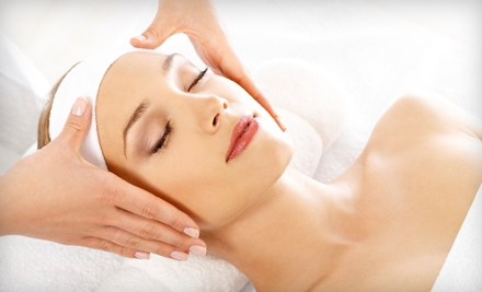24-Karat Gold Collagen Mask with Signature Facial (a $140 value) - Laya's Skin Care in Ridgeland