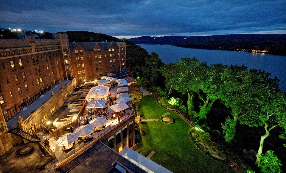 Groupon Deals York Hotels I9 Sports Coupon