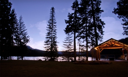 2-Night Stay for 2 in a Deluxe Suite, Standard Suite or a Lofted Guest Room - The Lodge At Suttle Lake in Sisters