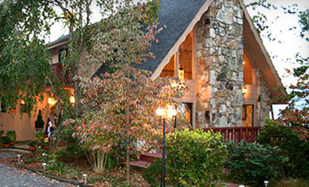1 Night Stay, 2 Souvenir Champagne Glasses, & a Bottle of Sparkling Cider - Foxtrot Bed and Breakfast in Gatlinburg