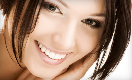 4 Veneers (a $4,000 value) - Universal Dental Clinics in Chicago