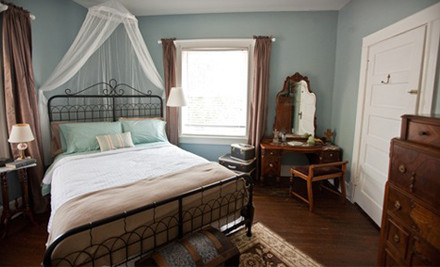 1-Night Stay for Two in a Queen-Size Bed in the Rose Garden Room or Fort Worth Room - The Rosen House Inn in Fort Worth
