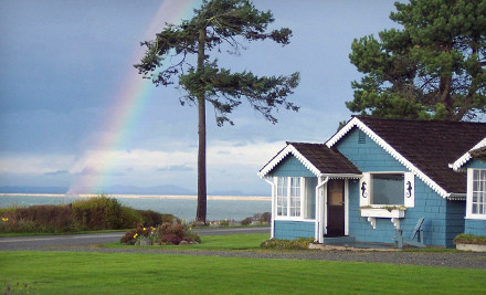 2-Night Weekday Stay in the Bay-View or Twin-View Room, Plus Two Outdoor Activities - Juan de Fuca Cottages in Sequim