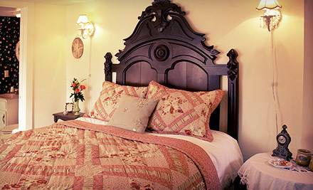 1-Night Stay for Two - Red Bud Manor in Eureka Springs