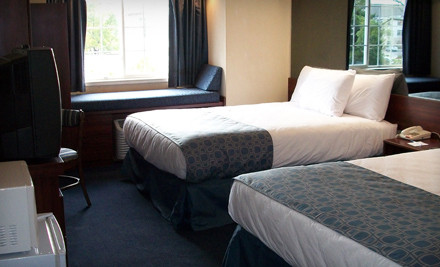 One-Night Stay For Up to 5 in a Standard Room With Two Queen Beds  - Microtel Inn & Suites in Roseville
