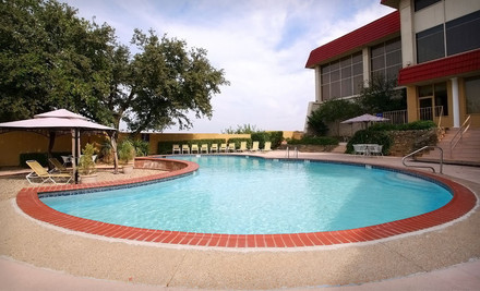 Dallas: One- or Two-Night Stay at Hotel Trinity Fort Worth InnSuites Hotel & Suites in Fort Worth