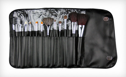 Abilene, TX: $15 for a Beaute Basics 12-Piece Professional Makeup Brush Set ($59.95 List Price)
