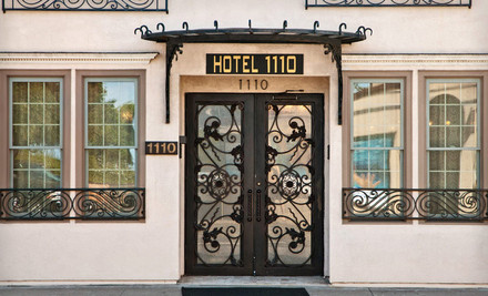 Option 1: One night, valid for check-in MondayThursday - Hotel 1110 in Monterey
