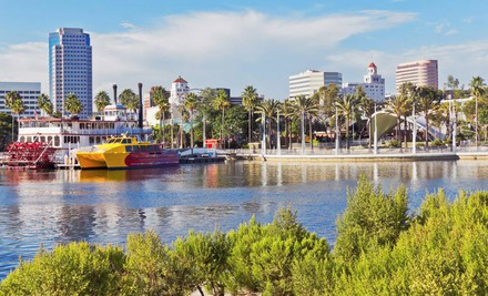 Orange County: One-Night Stay with Appetizer and Drinks at Hilton Long Beach & Executive Meeting Center in Long Beach, CA