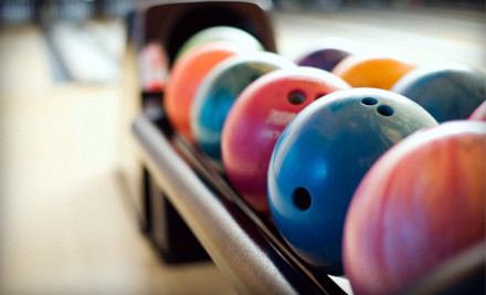 St Louis: Bowling for Four with Shoe Rental, Soda, and Pizza at Crestwood Bowl (Up to 63% Off)