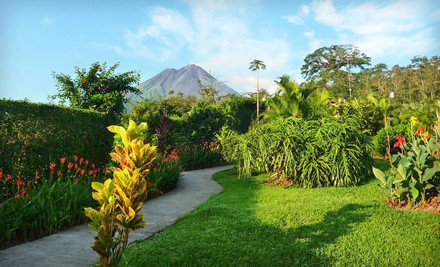 Miami: Six-Night Tour of Costa Rica with Airfare from Miami, Accommodations, Guided Tours, and Some Meals from Gate 1 Travel