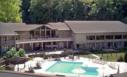 Knoxville: Two- or Three-Night Stay with Recreation Passes and a Lake Cruise at Fontana Village Resort in Great Smoky Mountains, NC